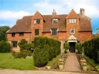 Pekes Manor Large Holiday Cottages in South East England
