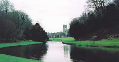 Fountains Abbey (c) Rob Shephard