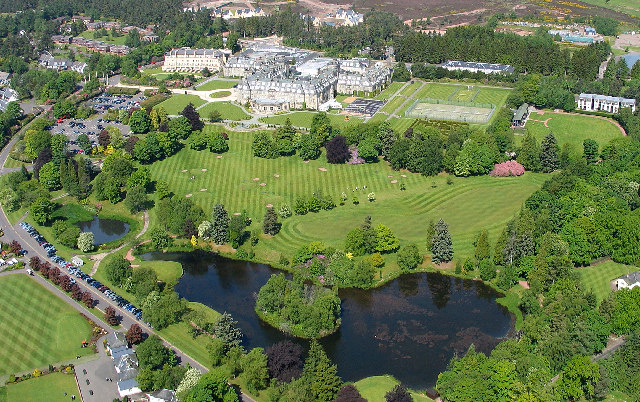Gleneagles Hotel and grounds wiki image Simon Ledingham