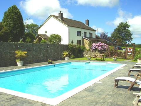 Trenewydd farm cottages pembrokeshire with swimming pool - Pet friendly cottages with swimming pool ...