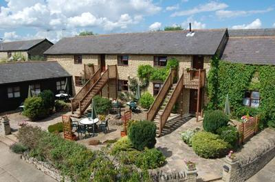 The Old Stone Barn Self Catering with Pool Buckinghamshire
