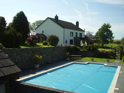 Trenewydd Farm Cottages Pembrokeshire With Swimming Pool And Hot Tub S