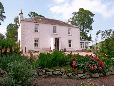 Drochil Castle Luxury Farmhouse B&B Peebles
