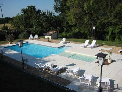 La Lande Sud Large Self Catering Country House in the Dordogne 