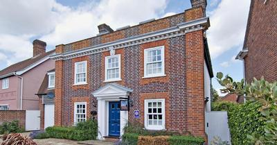 Admiral House Self catering house, Suffolk