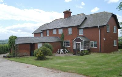 Meadow view large Family Friendly Cottage Bromyard Herefordshire