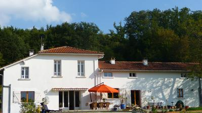 Le Froment B&B with Pool Pyrenees South West France
