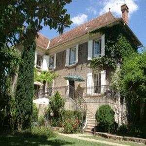 Chambres dhotes les pratges bed and breakfast b b lot for Chambre d hote dans le lot