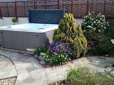 Offshore Cottage Pet Friendly Self Catering with Hot Tub Devon