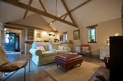 Blackberry barn at white horse farm luxury self catering for Modern house holiday lets