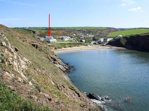 Holiday Cottages Near A Beach In Pembrokeshire Wales