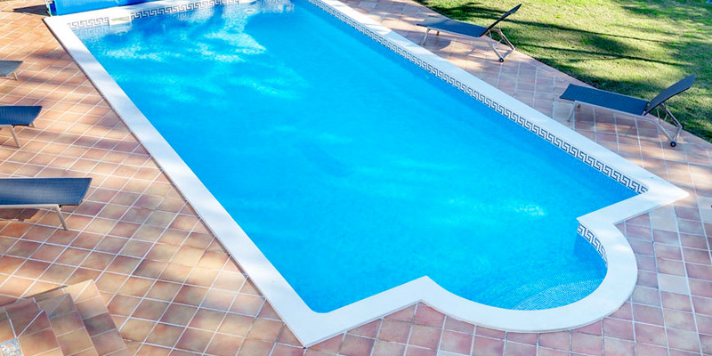 Holiday Accommodation With Swimming Pool