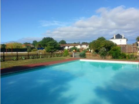 Le Logis Near La Rochelle Beaches And Pool Holiday Home